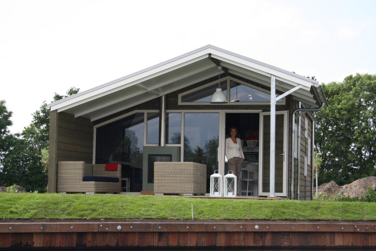 boot und bungalow mieten nachrichten maran yachtcharter. Black Bedroom Furniture Sets. Home Design Ideas