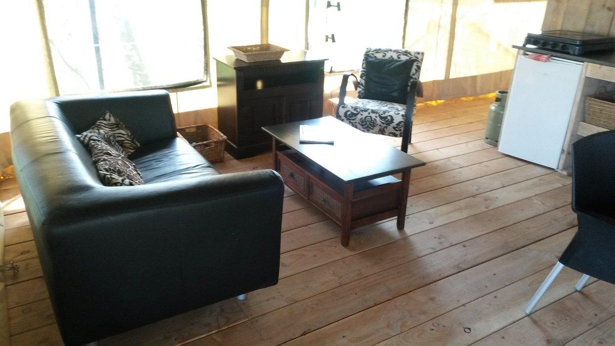 luxus zelt mieten in friesland holland f r g nstige preise. Black Bedroom Furniture Sets. Home Design Ideas